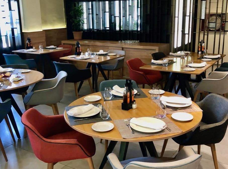 Nuestras sillas Jax decorando el Hotel L'Estació Bocairent