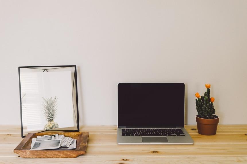Transforma un rincón de tu hogar en un despacho